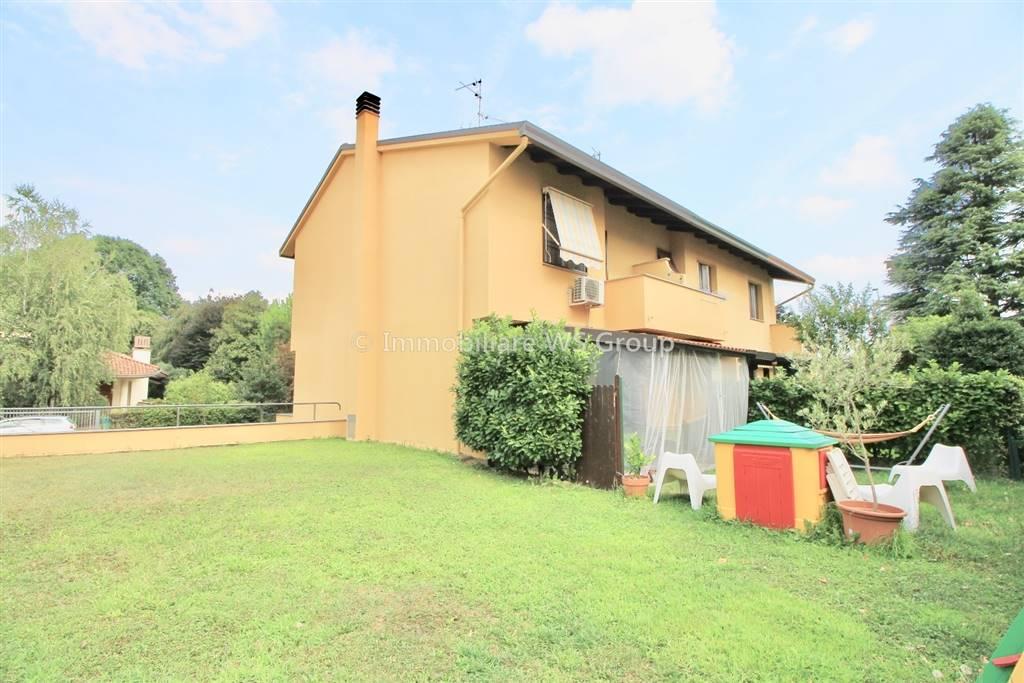 Villa in Vendita a Carate Brianza: 4 locali, 169 mq