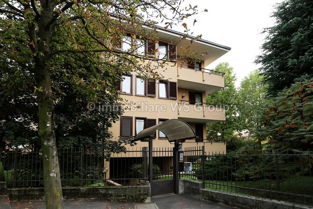 Appartamento in Vendita a Carate Brianza: 3 locali, 113 mq