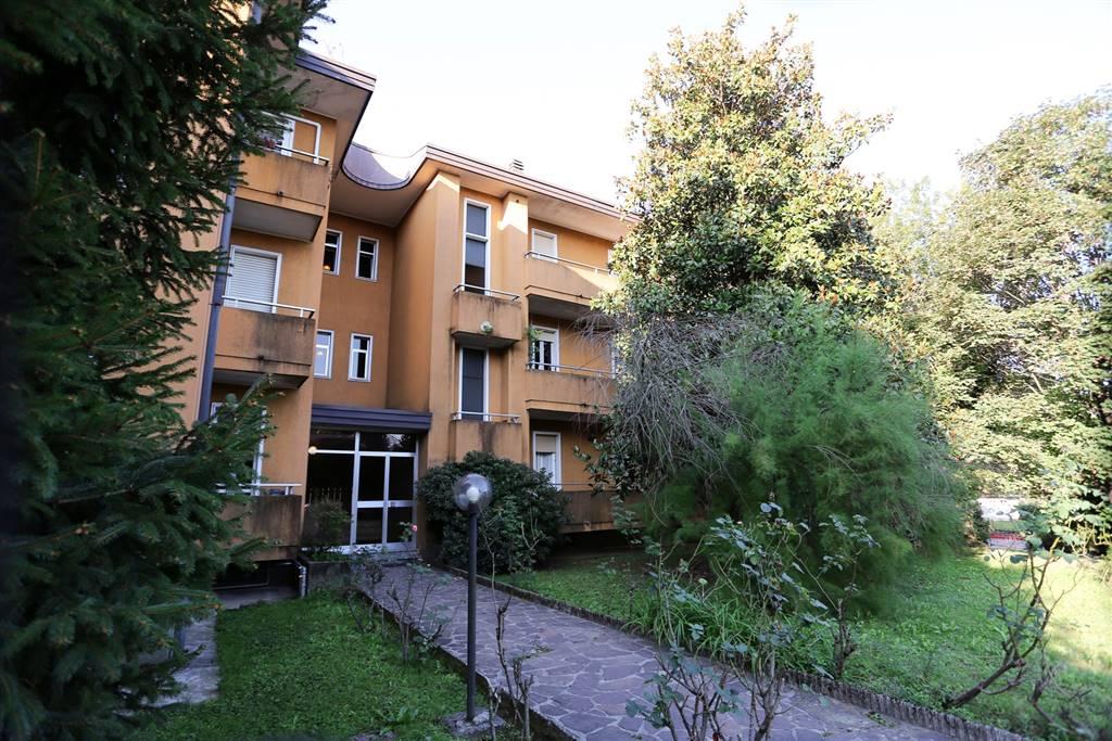 Appartamento in Vendita a Verano Brianza: 4 locali, 126 mq