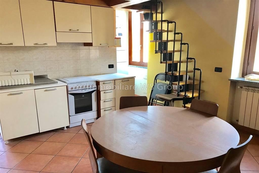Appartamento in Vendita a Carate Brianza: 1 locali, 40 mq
