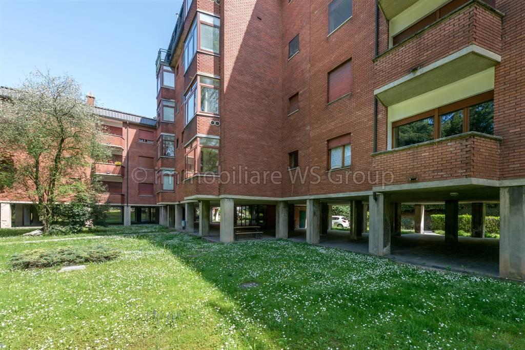 Appartamento in Vendita a Carate Brianza: 3 locali, 90 mq
