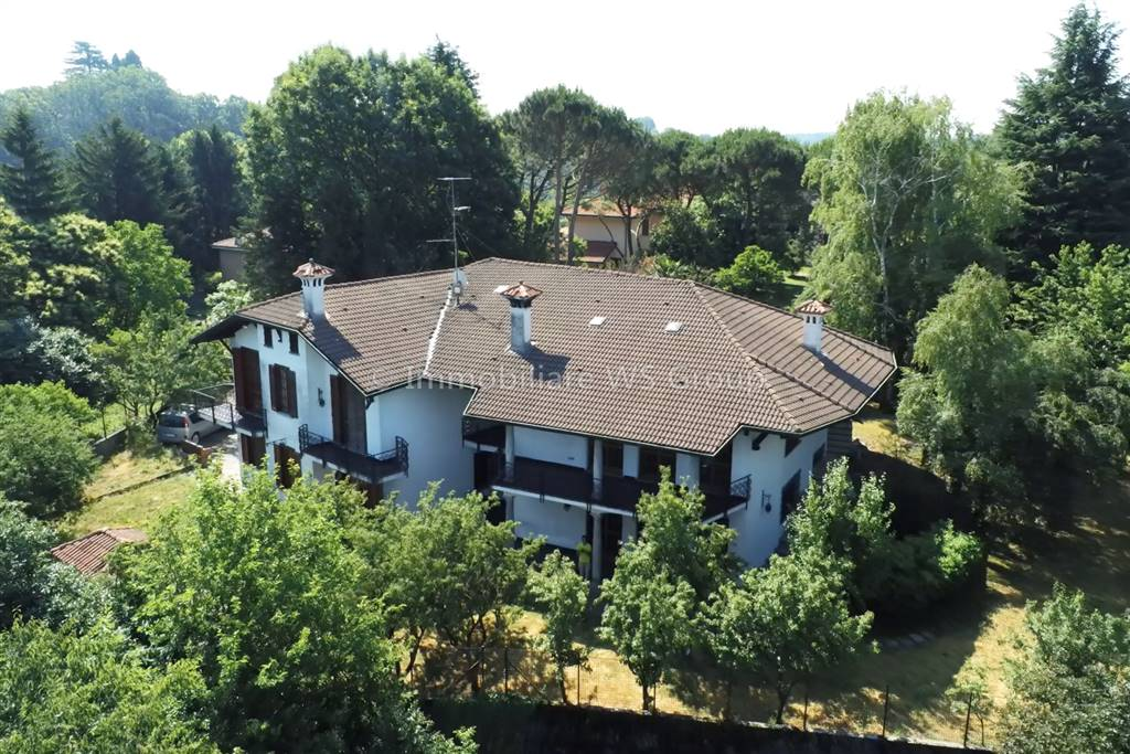 Villa in Vendita a Carate Brianza: 5 locali, 554 mq