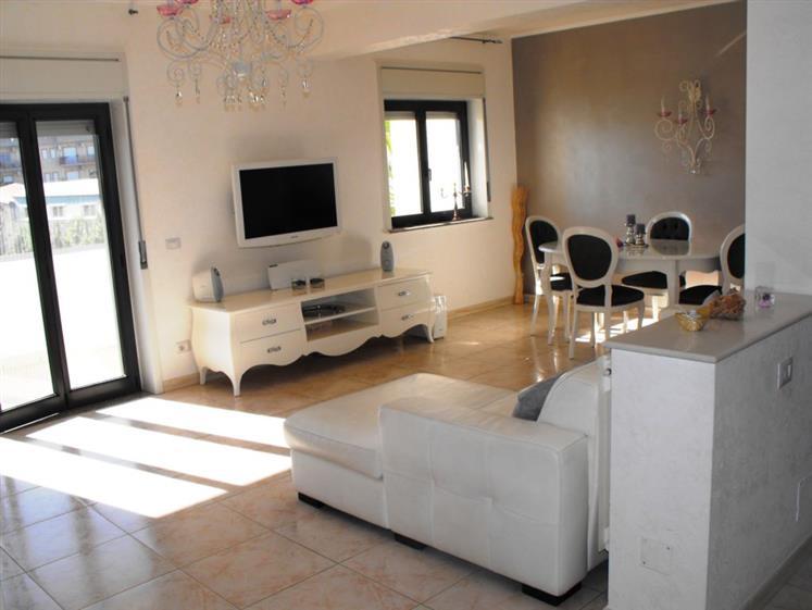 Appartamento in Vendita a Carlentini