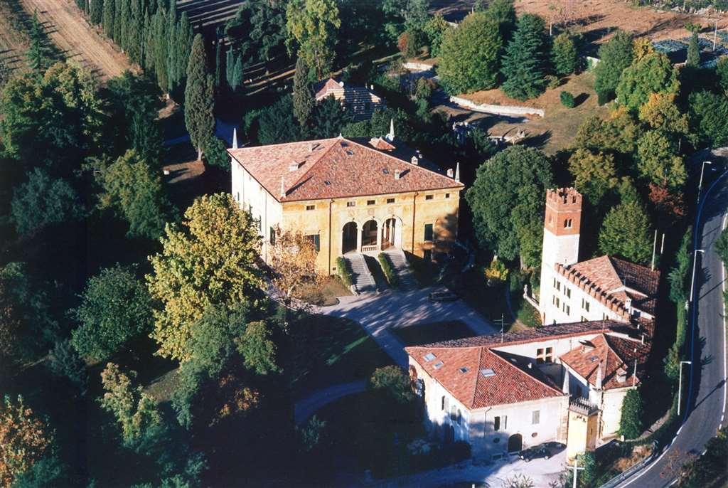Rustico in Vendita a Verona: 5 locali, 2500 mq