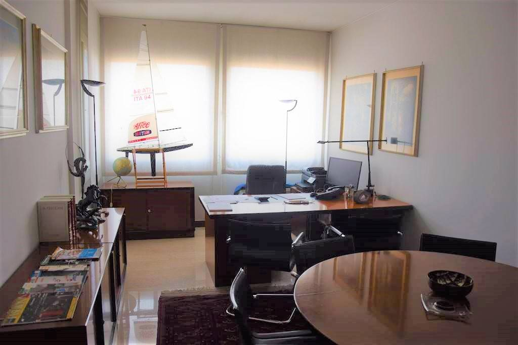 Appartamento in Vendita a Milano 10 Isola / Centrale / Gioia: 5 locali, 124 mq