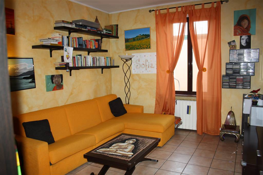 Appartamento via Lisiade Pedroni 9  a Milano