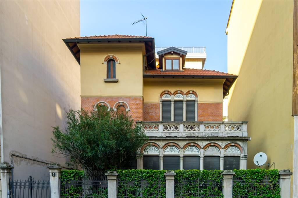 Mansarda in Affitto a Milano: 2 locali, 75 mq