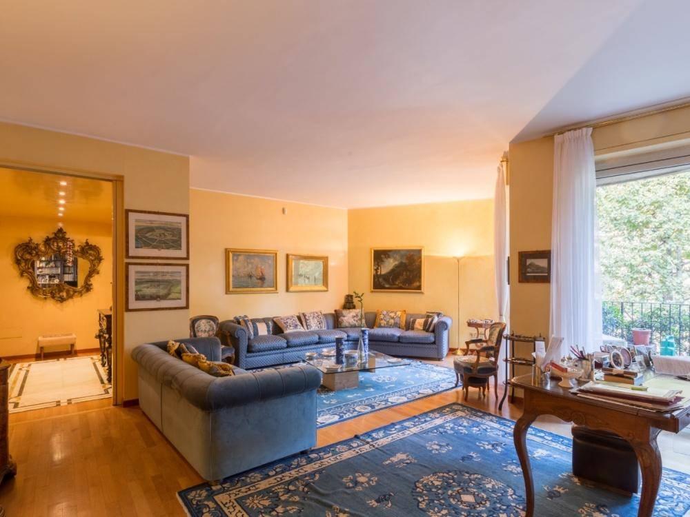 Appartamento in Vendita a Milano via tiziano