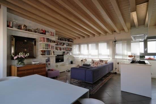 Appartamento in Vendita a Milano 17 Marghera / Wagner / Fiera: 3 locali, 92 mq