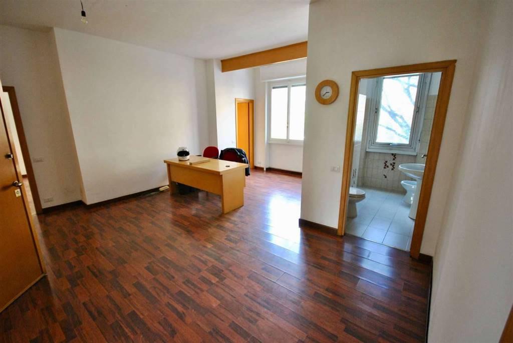 Appartamento in Vendita a Milano 17 Marghera / Wagner / Fiera: 4 locali, 110 mq