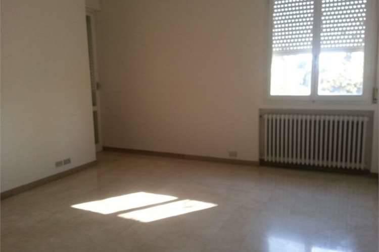 Appartamento in affitto a Carpi, 4 locali, zona Località: GORIZIA, prezzo € 550 | Cambio Casa.it