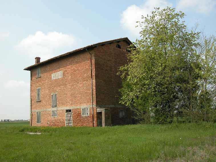 Rustico / Casale in vendita a Carpi, 4 locali, zona Zona: Budrione, prezzo € 150.000 | Cambio Casa.it