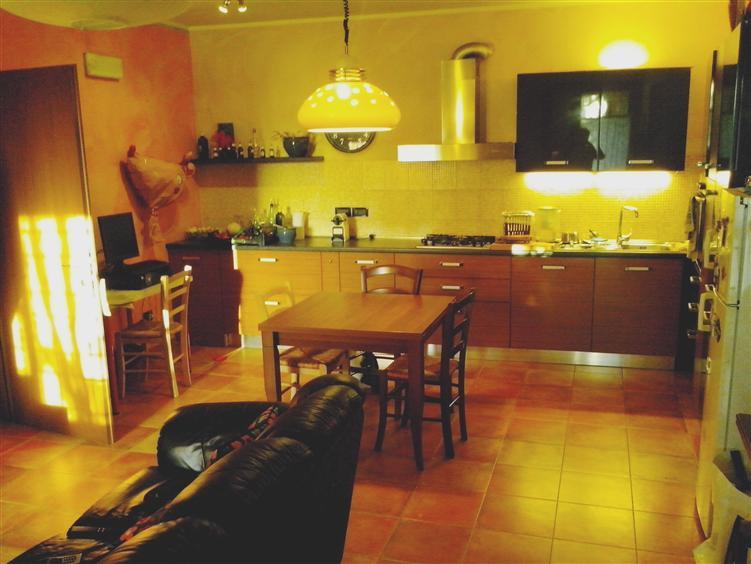 Soluzione Indipendente in vendita a Rolo, 3 locali, prezzo € 110.000 | Cambio Casa.it