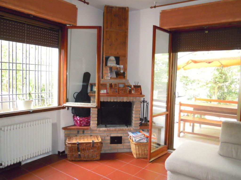 Villa in vendita a Carpi, 8 locali, zona Località: REMESINA, prezzo € 320.000 | Cambio Casa.it