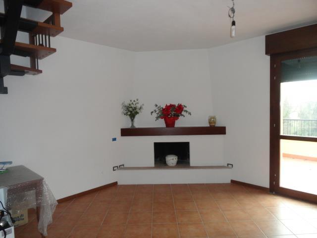 Attico / Mansarda in vendita a Carpi, 3 locali, zona Località: ALDO MORO, prezzo € 180.000 | Cambio Casa.it