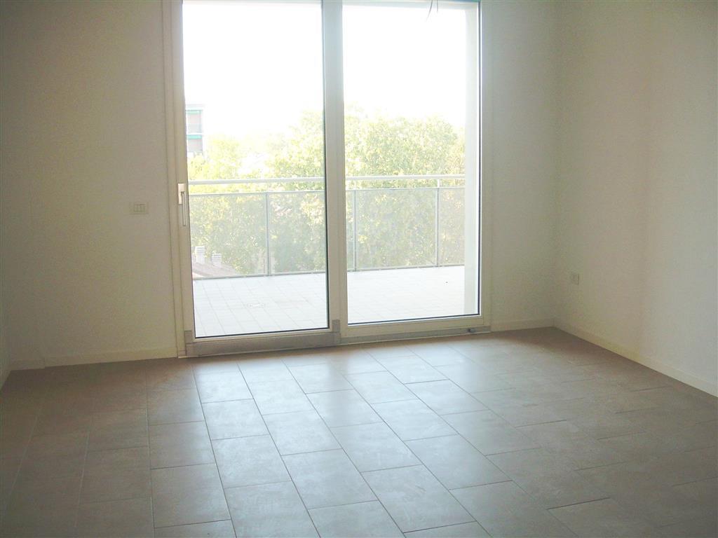Appartamento in affitto a Carpi, 4 locali, zona Località: CENTRO STORICO, prezzo € 650 | Cambio Casa.it