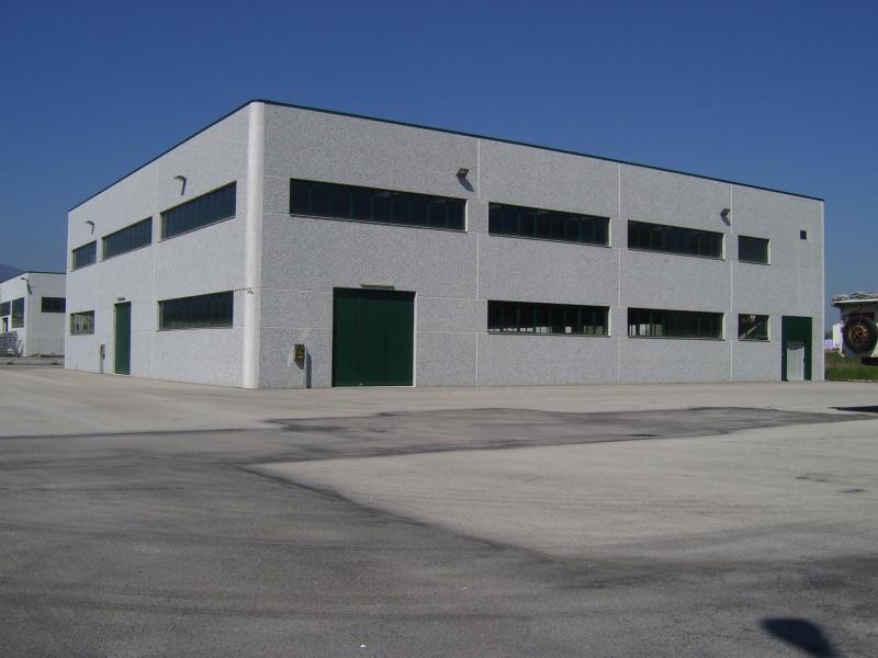 Capannone in vendita a Carpi, 3 locali, zona Località: QUARTIROLO, Trattative riservate | Cambio Casa.it
