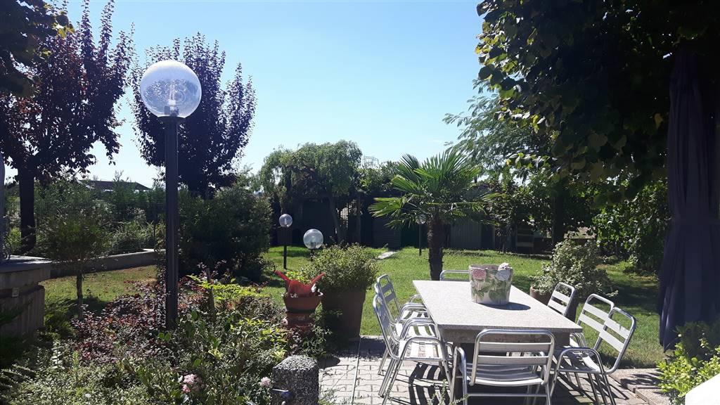 Soluzione Indipendente in vendita a Soliera, 12 locali, zona Zona: Limidi, prezzo € 650.000 | Cambio Casa.it