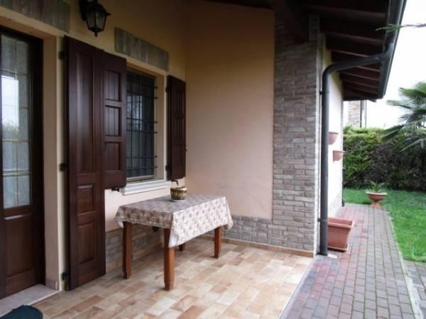 Soluzione Indipendente in vendita a San Martino in Rio, 3 locali, zona Zona: Gazzata, prezzo € 155.000   Cambio Casa.it