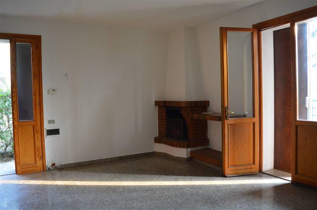 Villa in vendita a Carpi, 3 locali, zona Zona: Cortile, prezzo € 148.000 | Cambio Casa.it