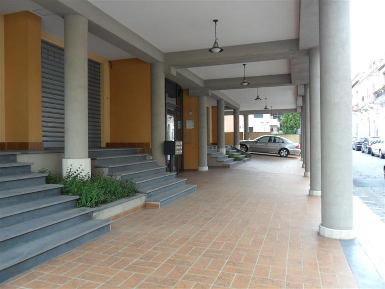 Negozio / Locale in vendita a Giarre, 9999 locali, prezzo € 350.000 | Cambio Casa.it