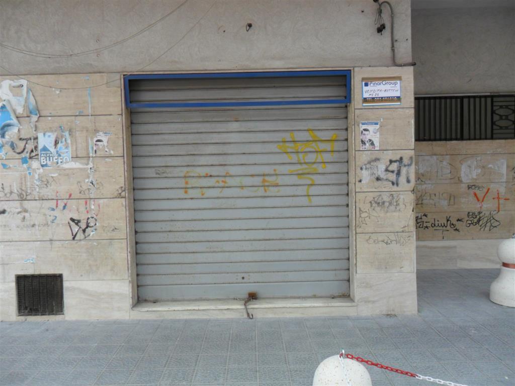 Negozio / Locale in vendita a Catania, 2 locali, zona Località: VIA DUCA DEGLI ABRUZZI-VIA BORRELLO, prezzo € 35.000 | Cambio Casa.it