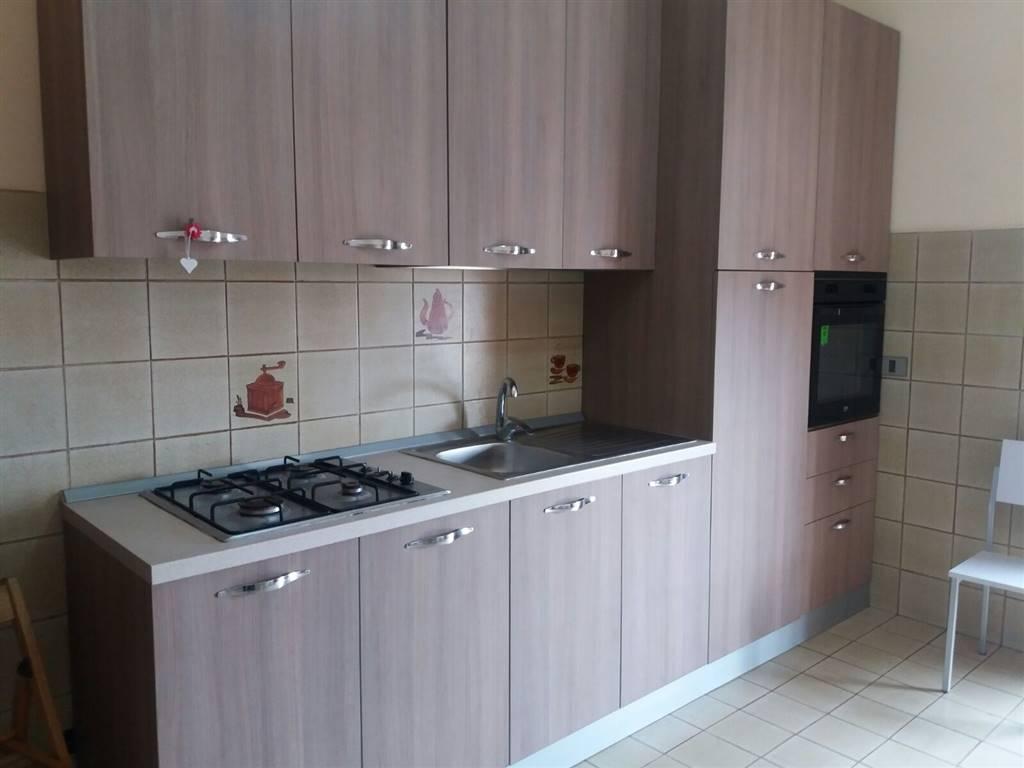 Appartamento in affitto a Aci Catena, 4 locali, prezzo € 450   Cambio Casa.it