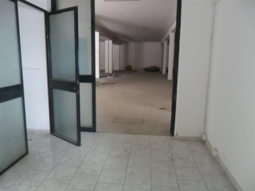 Magazzino in affitto a Gravina di Catania, 9999 locali, prezzo € 1.500 | Cambio Casa.it