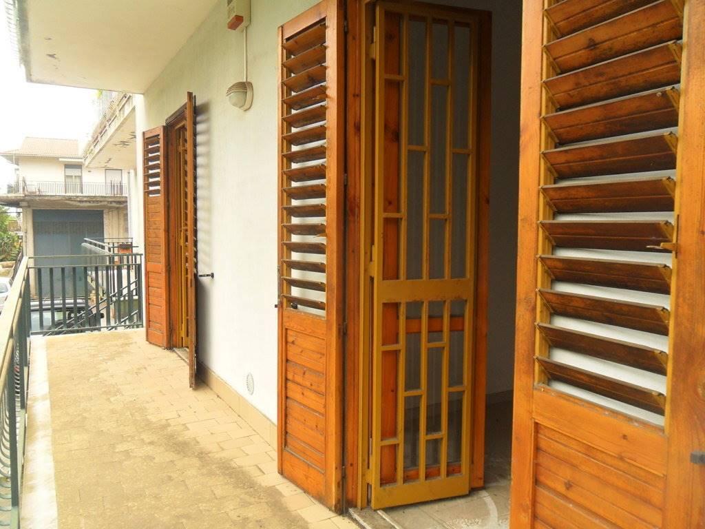 Appartamento in vendita a Acireale, 3 locali, prezzo € 115.000   CambioCasa.it