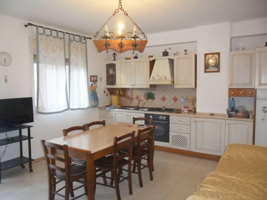 Appartamento in vendita a Gravina di Catania, 2 locali, zona Località: VIA BELLINI, prezzo € 80.000 | CambioCasa.it