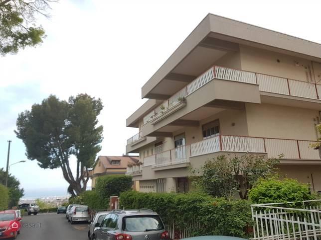 Appartamento in affitto a Sant'Agata Li Battiati, 5 locali, prezzo € 650   CambioCasa.it