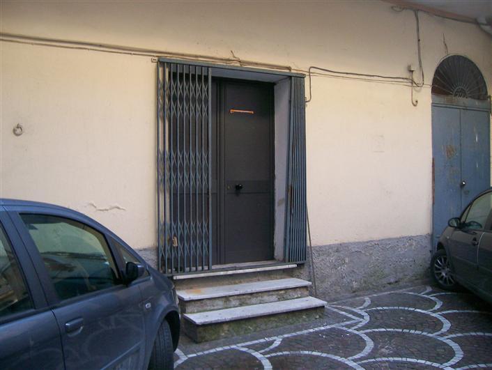 magazzino-deposito  in Affitto a Caserta