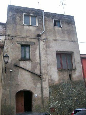 Palazzo / Stabile in vendita a Melizzano, 5 locali, prezzo € 45.000 | CambioCasa.it