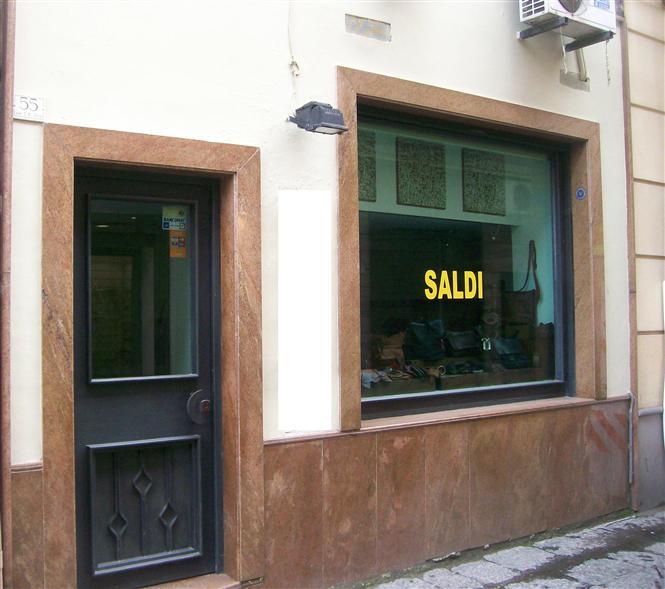 Negozio / Locale in vendita a Caserta, 1 locali, zona Zona: Centro, prezzo € 55.000 | CambioCasa.it
