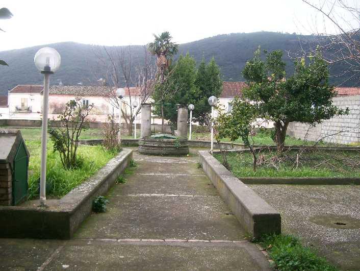Palazzo-stabile in Vendita Formicola in provincia di Caserta