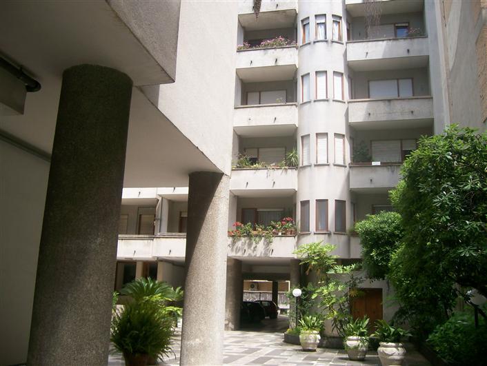 Box / Garage in vendita a Caserta, 1 locali, zona Zona: Centro, prezzo € 75.000 | Cambio Casa.it