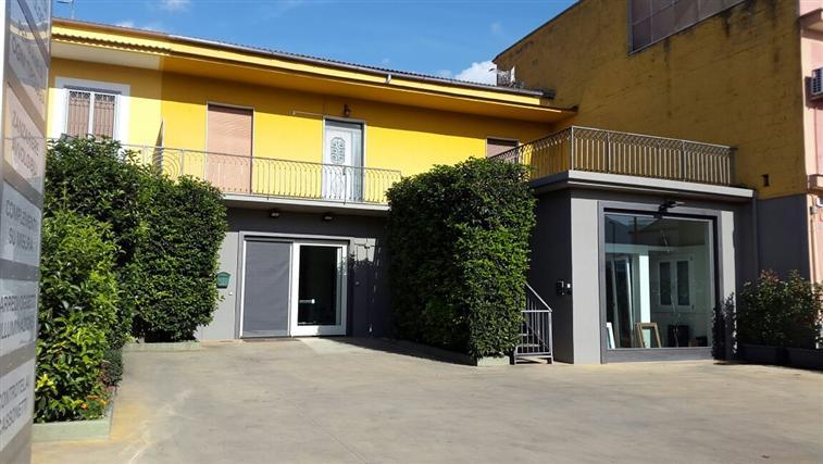 Soluzione Indipendente in vendita a Santa Maria a Vico, 4 locali, prezzo € 225.000 | CambioCasa.it