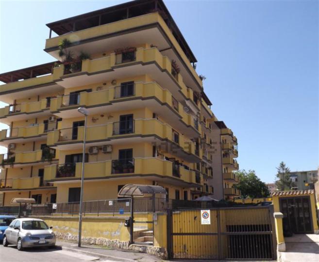 garage-Box-posto auto  in Affitto a Caserta