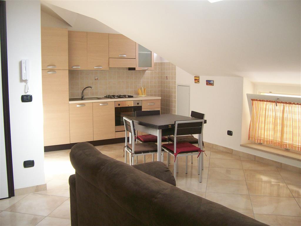 Attico / Mansarda in vendita a Caserta, 3 locali, zona Zona: Centro, prezzo € 185.000 | CambioCasa.it