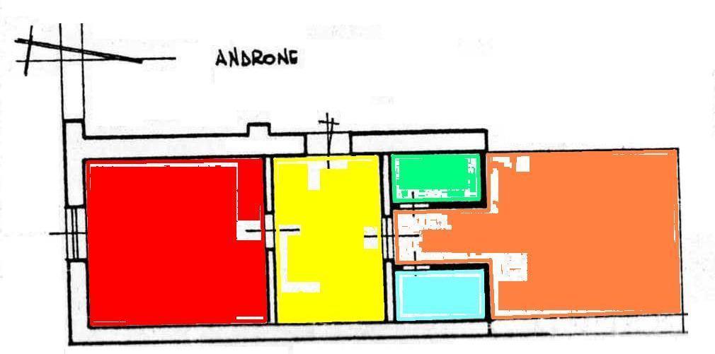 Negozio / Locale in vendita a Casagiove, 2 locali, zona Località: QUARTIERE BORBONICO CENTRO STORICO, prezzo € 45.000 | CambioCasa.it