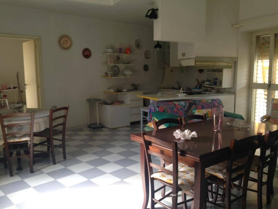 Appartamento in affitto a Castel Morrone, 2 locali, zona Zona: Annunziata, prezzo € 400 | CambioCasa.it