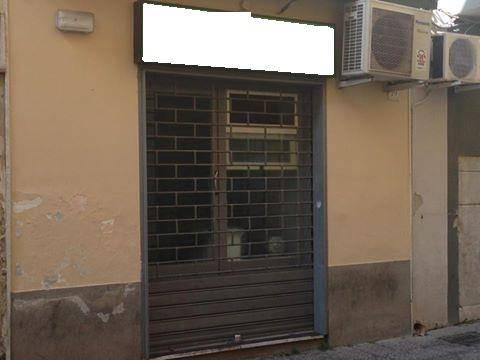 Negozio / Locale in vendita a Caserta, 1 locali, zona Località: CENTRO STORICO, prezzo € 100.000 | CambioCasa.it