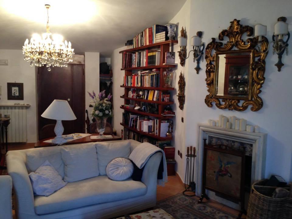 Attico / Mansarda in vendita a Casagiove, 3 locali, zona Località: QUARTIERE BORBONICO CENTRO STORICO, prezzo € 159.000 | Cambio Casa.it
