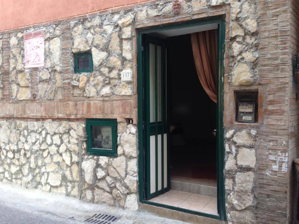 Attività / Licenza in affitto a Caserta, 1 locali, zona Zona: Falciano, prezzo € 250   CambioCasa.it