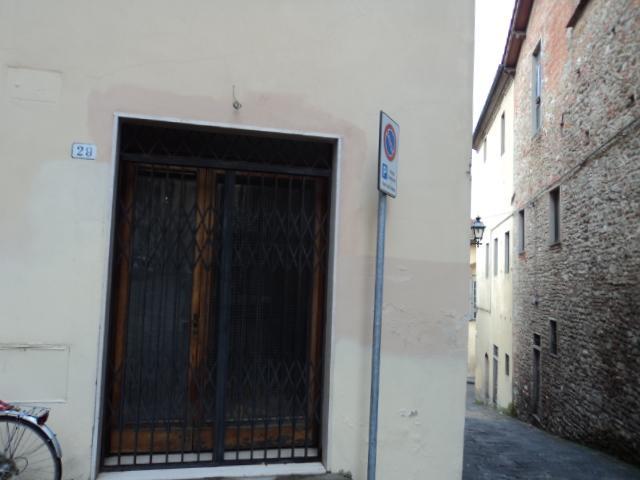 Magazzino in vendita a Pistoia, 1 locali, zona Zona: Centro storico, prezzo € 35.000 | Cambio Casa.it