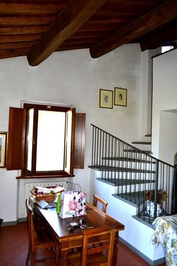 Casa Indipendente vendita PISTOIA (PT) - 7 LOCALI - 270 MQ