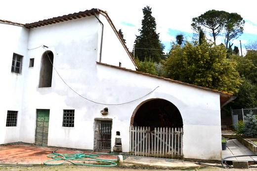 Soluzione Indipendente in vendita a Monsummano Terme, 20 locali, prezzo € 390.000   Cambio Casa.it