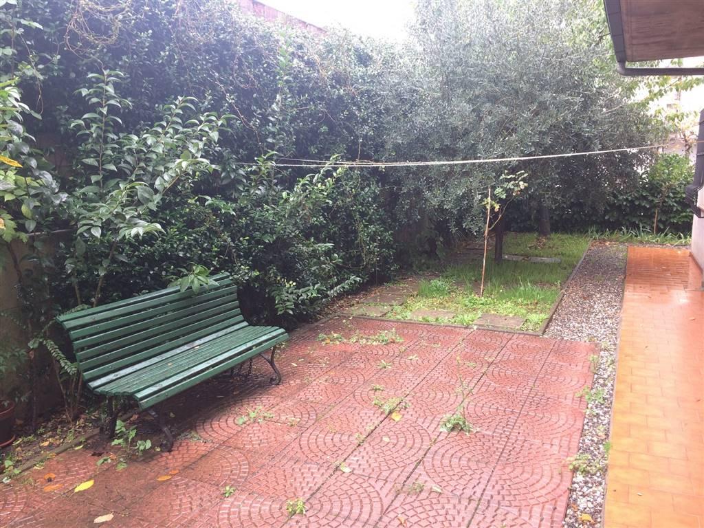Soluzione Indipendente in affitto a Pistoia, 3 locali, zona Zona: Centrale, prezzo € 600 | Cambio Casa.it