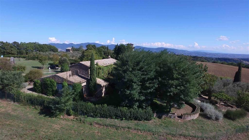 Rustico / Casale in vendita a Bagnoregio, 11 locali, Trattative riservate | Cambio Casa.it