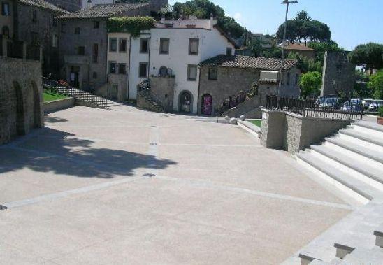 Negozio / Locale in vendita a Viterbo, 9999 locali, zona Zona: Centro, Trattative riservate | Cambio Casa.it